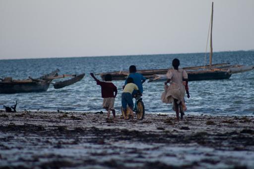 bambini-sulla-spiaggia-1-of-1.jpg
